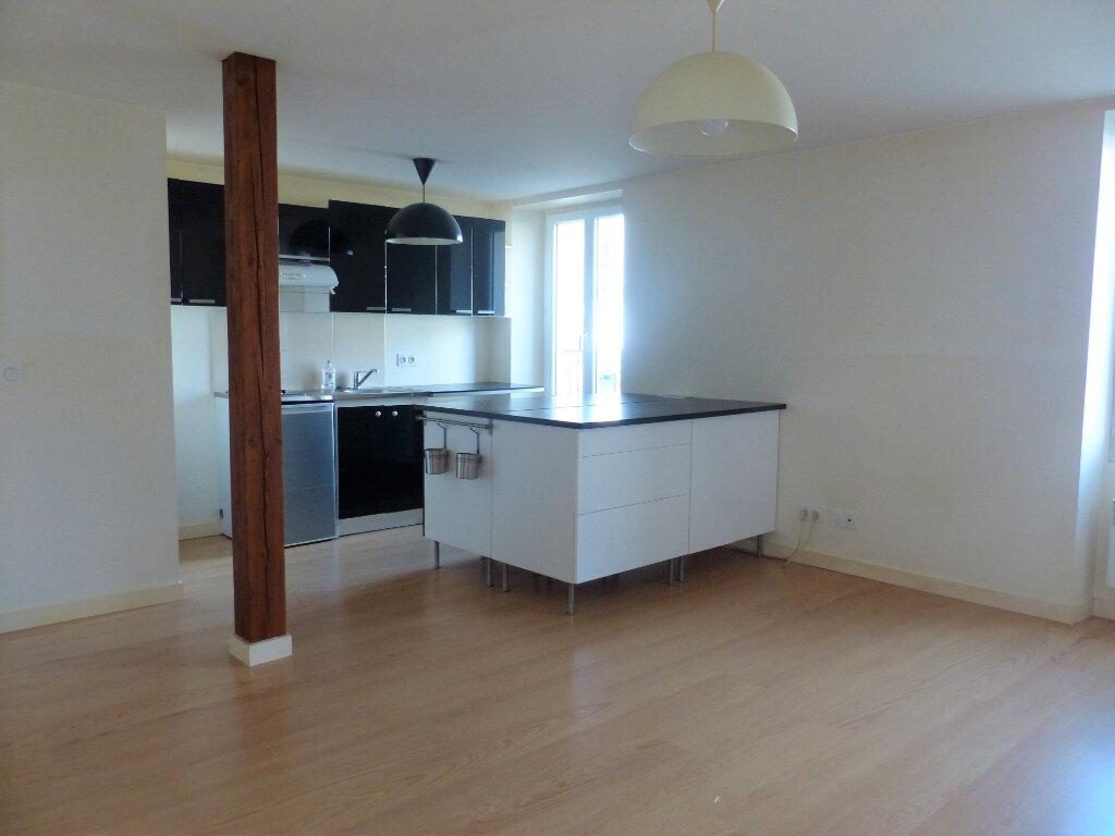 Appartement à louer 2 39.2m2 à Montlhéry vignette-2