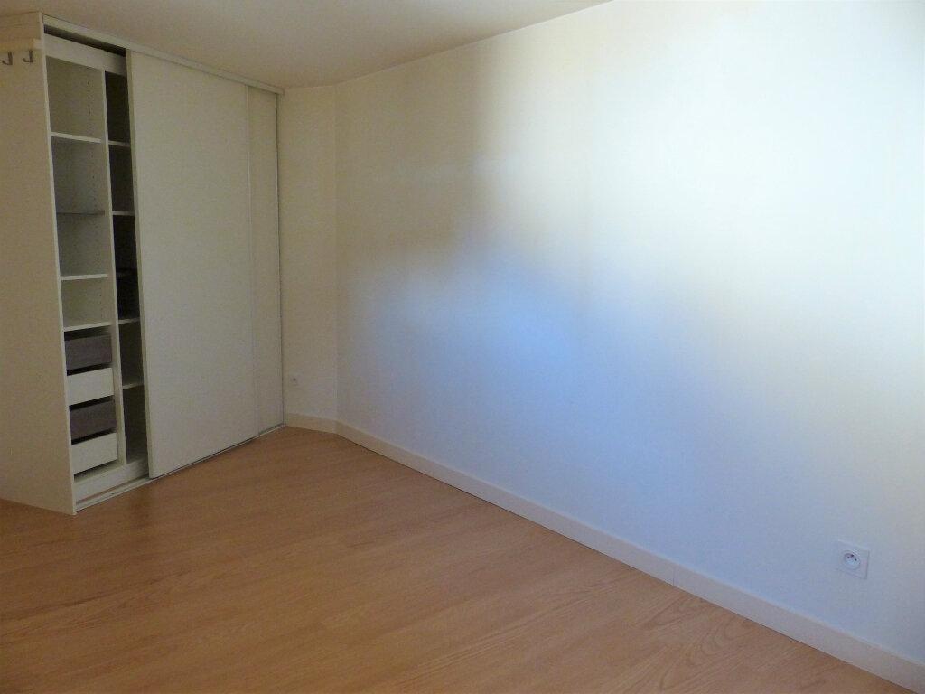 Appartement à louer 2 39.2m2 à Montlhéry vignette-3