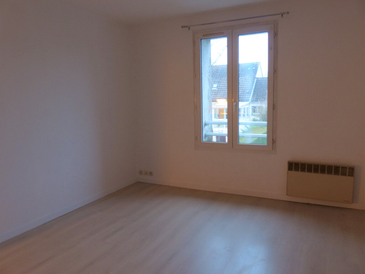Appartement à louer 2 33m2 à Longpont-sur-Orge vignette-1