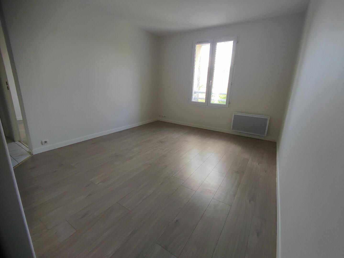 Appartement à louer 2 33m2 à Longpont-sur-Orge vignette-2