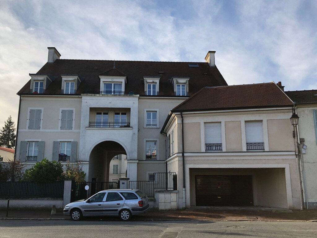 Stationnement à louer 0 16.75m2 à Montlhéry vignette-1