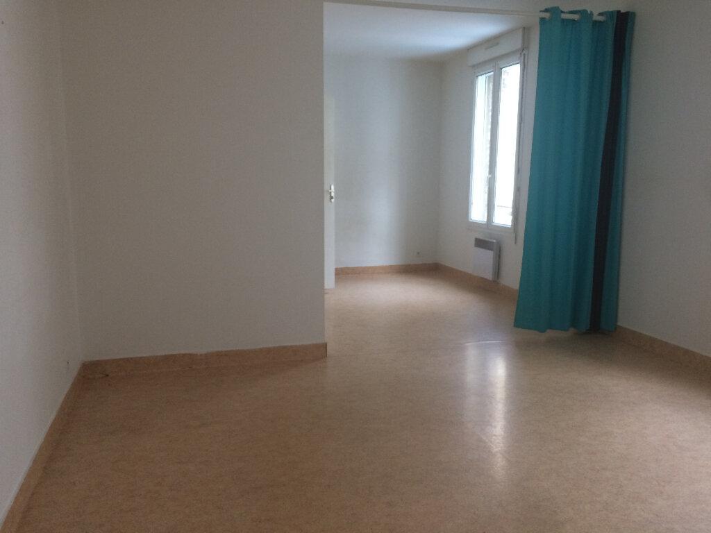 Appartement à louer 1 32m2 à Montivilliers vignette-3