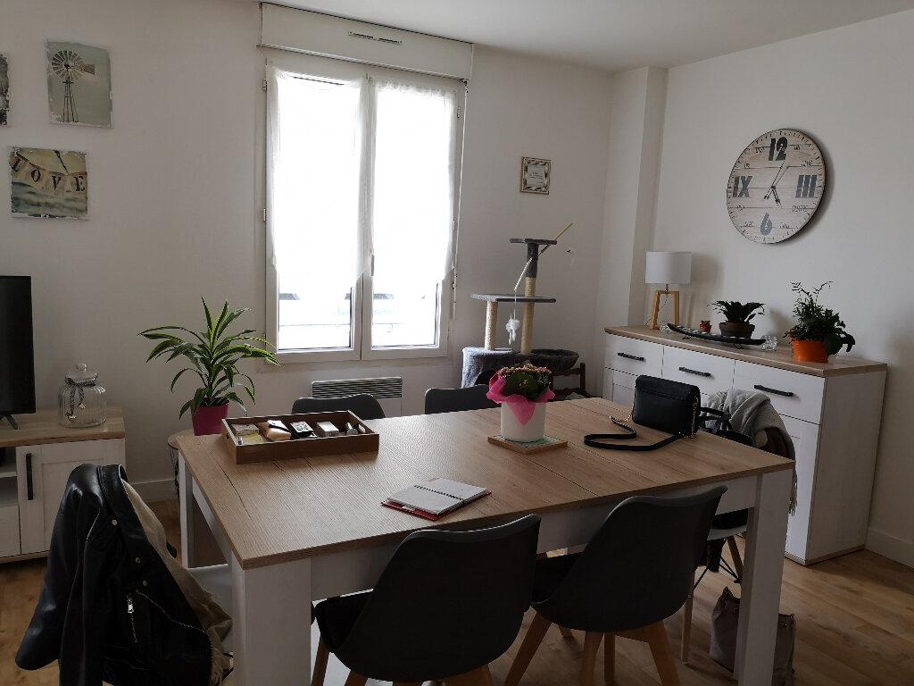 Appartement à louer 3 55.75m2 à Montivilliers vignette-2