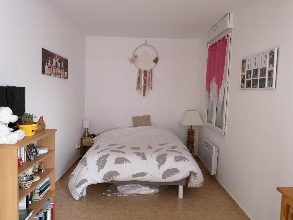 Appartement à louer 3 55.75m2 à Montivilliers vignette-5