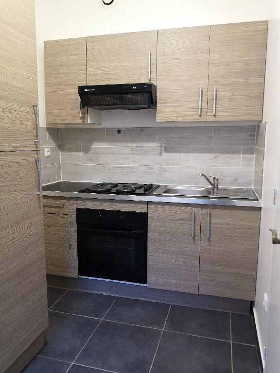 Appartement à louer 2 31.55m2 à Le Havre vignette-3