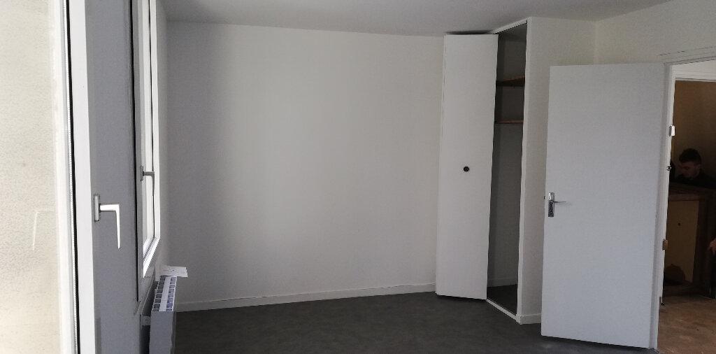 Appartement à louer 2 28.6m2 à Le Havre vignette-1