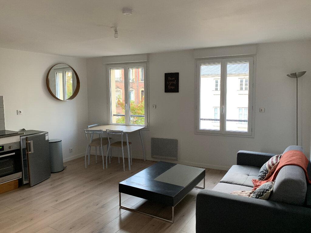 Appartement à louer 2 38m2 à Lillebonne vignette-2
