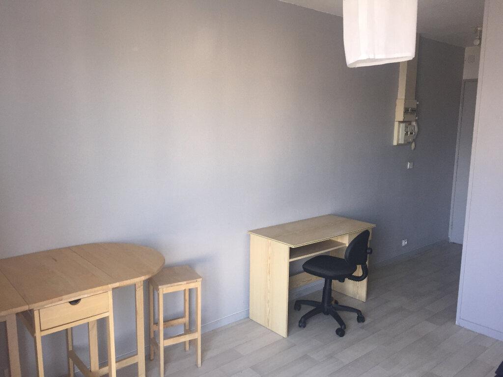 Appartement à louer 1 17.12m2 à Le Havre vignette-2