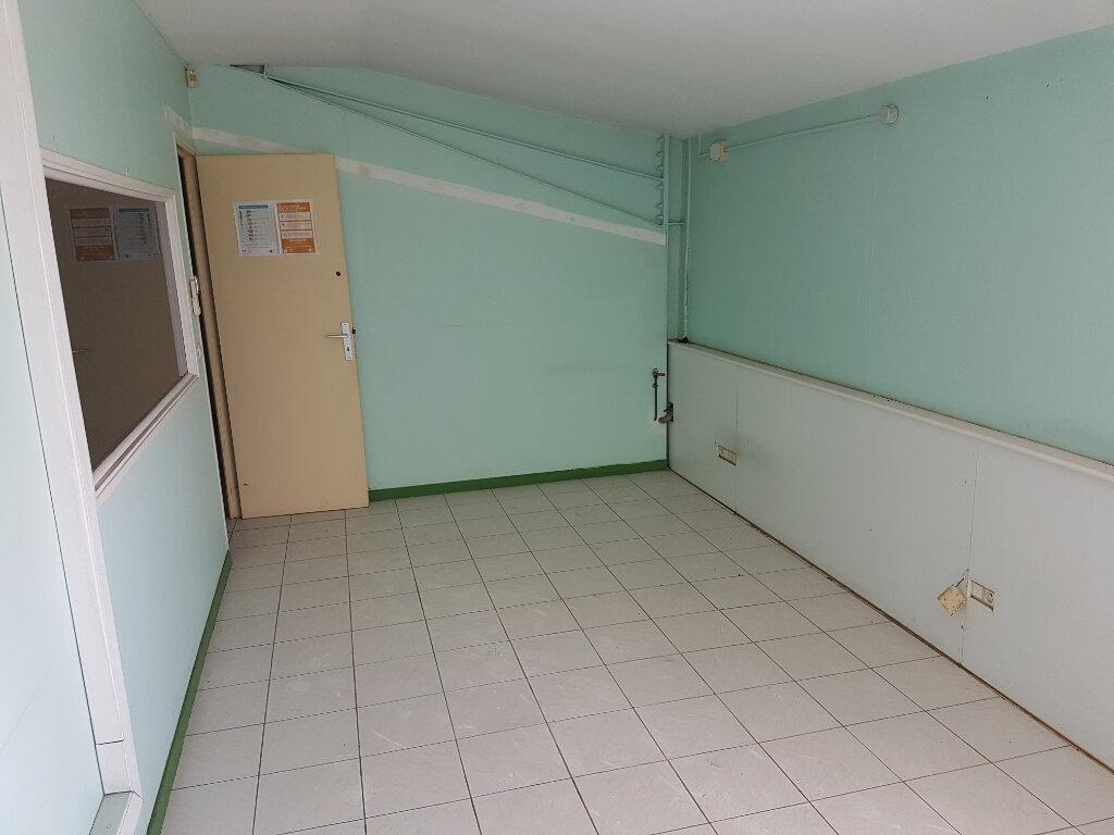 Local commercial à louer 0 140m2 à Le Lamentin vignette-2