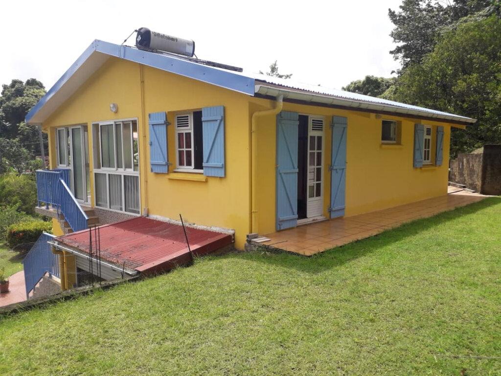 Maison à vendre 5 100m2 à Le Lamentin vignette-1