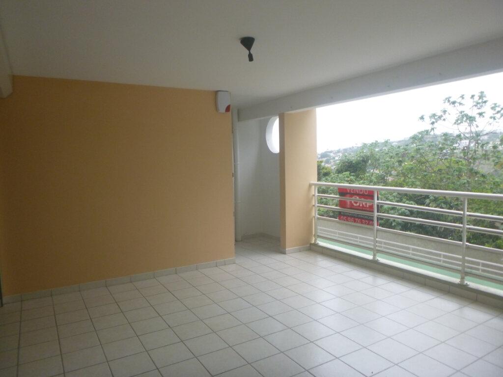 Appartement à vendre 3 53.11m2 à Fort-de-France vignette-2
