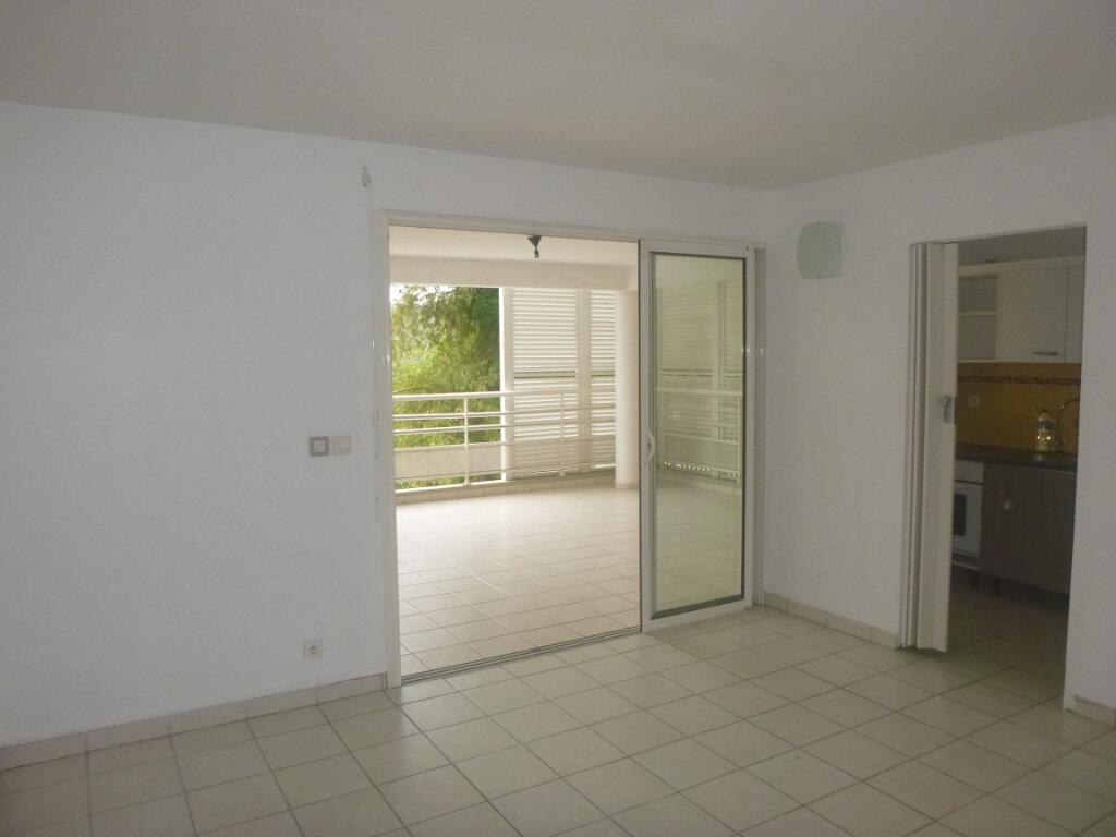 Appartement à vendre 3 53.11m2 à Fort-de-France vignette-3