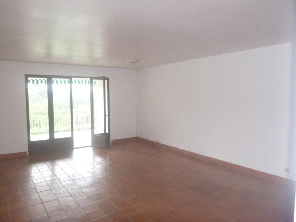 Appartement à vendre 4 90m2 à Saint-Joseph vignette-5