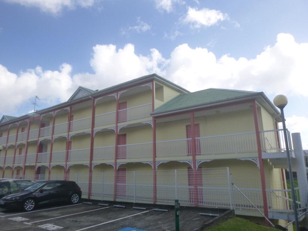 Appartement à vendre 3 52.05m2 à Fort-de-France vignette-1