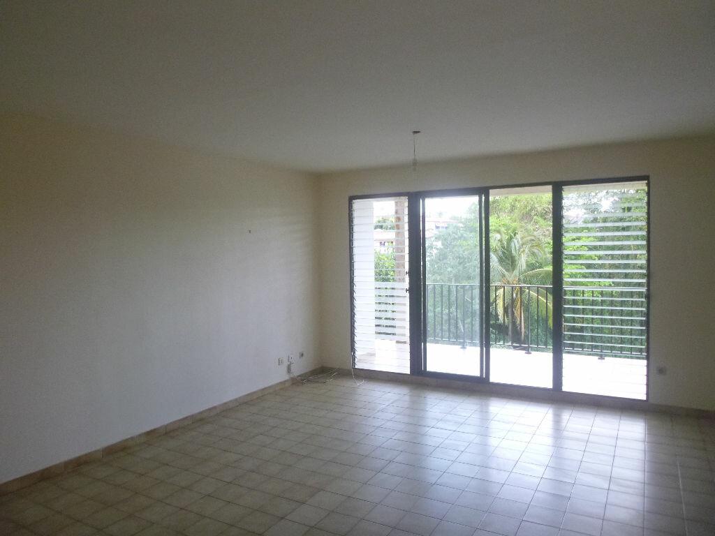 Appartement à vendre 4 80m2 à Fort-de-France vignette-1