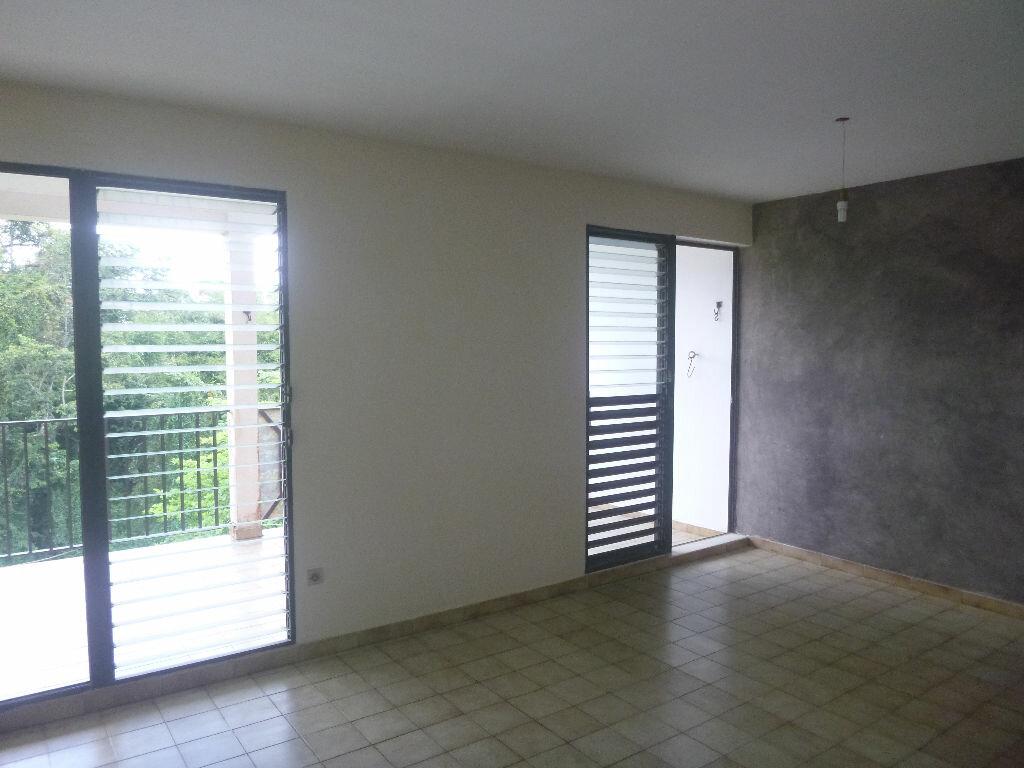 Appartement à vendre 4 80m2 à Fort-de-France vignette-2