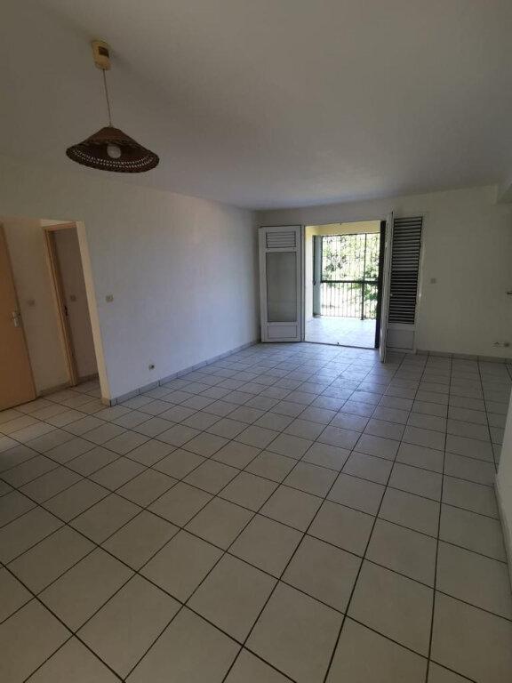 Appartement à louer 3 78m2 à Le Lamentin vignette-1