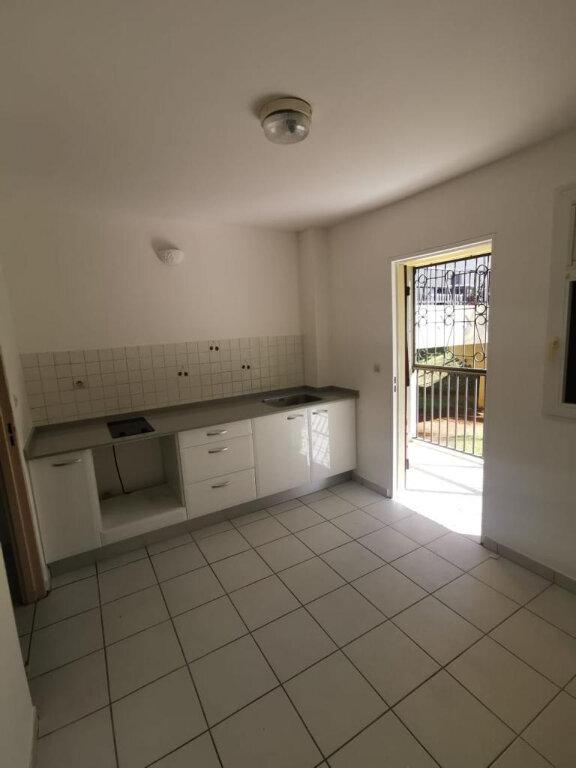 Appartement à louer 3 78m2 à Le Lamentin vignette-4