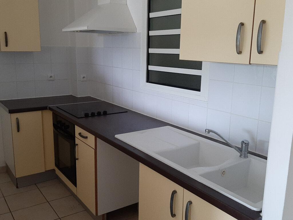 Appartement à louer 3 58.2m2 à Schoelcher vignette-2
