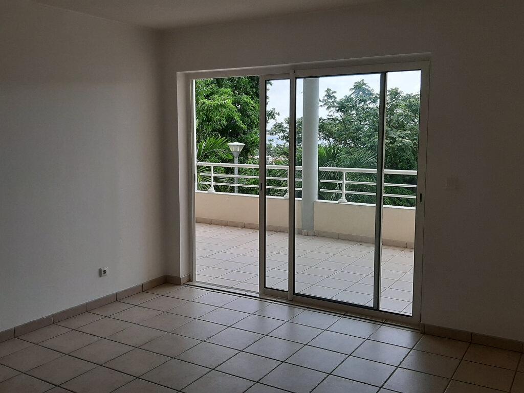 Appartement à louer 3 58.2m2 à Schoelcher vignette-3