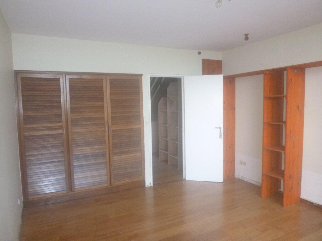 Appartement à vendre 3 77.86m2 à Fort-de-France vignette-2