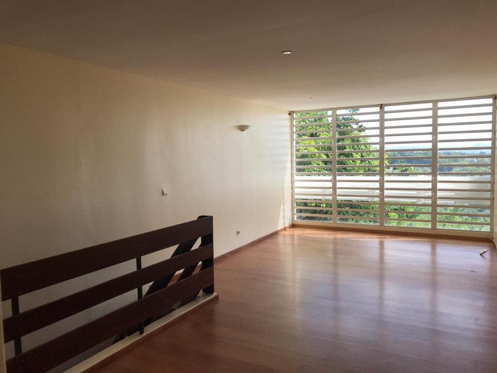 Appartement à vendre 3 77.86m2 à Fort-de-France vignette-3