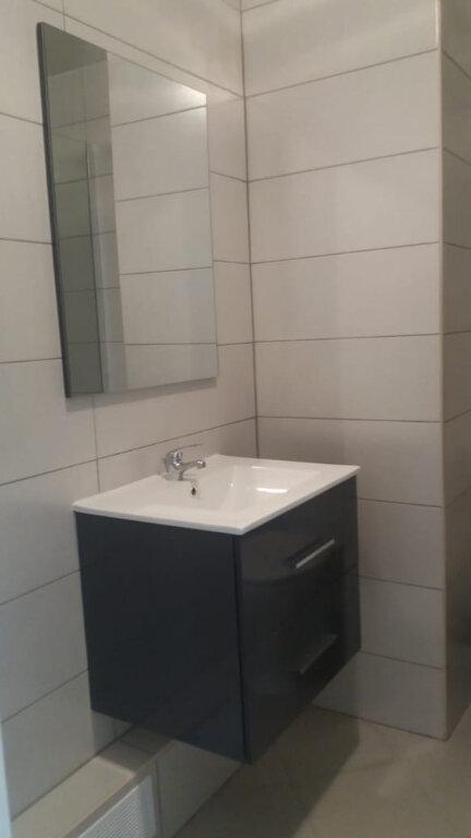 Appartement à louer 3 67.68m2 à Fort-de-France vignette-2