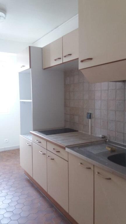 Appartement à louer 3 67.68m2 à Fort-de-France vignette-4