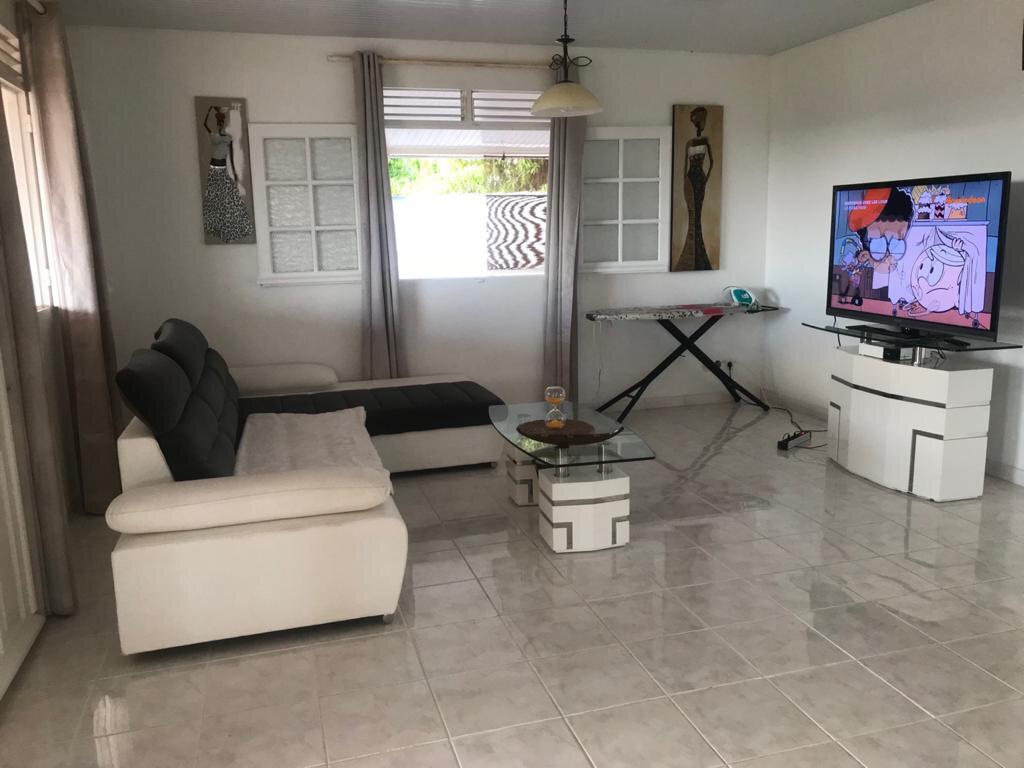 Maison à louer 4 110.26m2 à La Trinité vignette-5