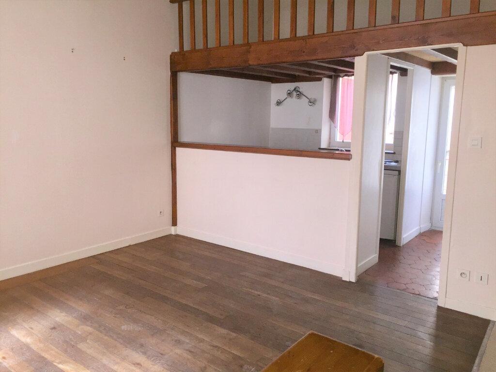 Appartement à louer 1 27m2 à Chalon-sur-Saône vignette-4