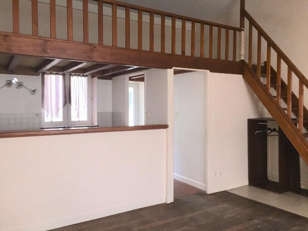 Appartement à louer 1 27m2 à Chalon-sur-Saône vignette-5