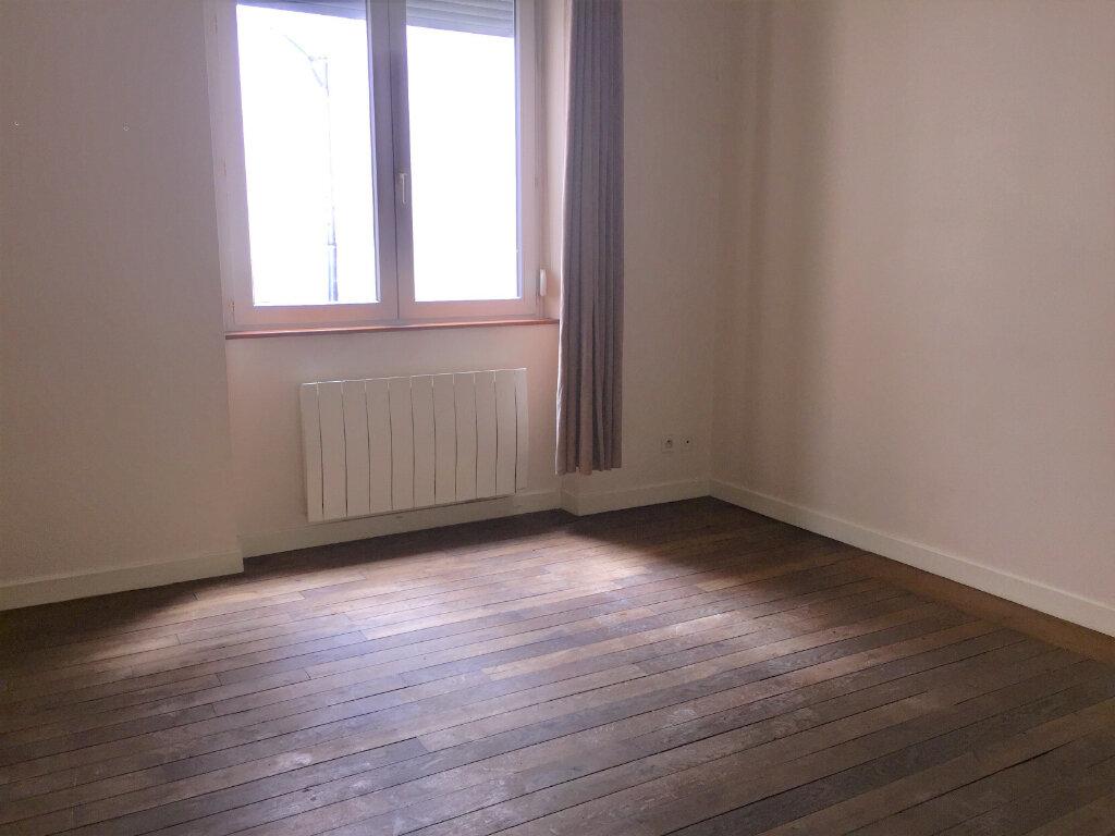 Appartement à louer 1 27m2 à Chalon-sur-Saône vignette-6
