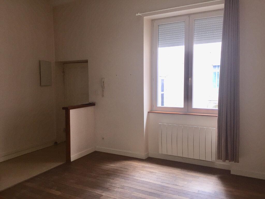 Appartement à louer 1 27m2 à Chalon-sur-Saône vignette-7