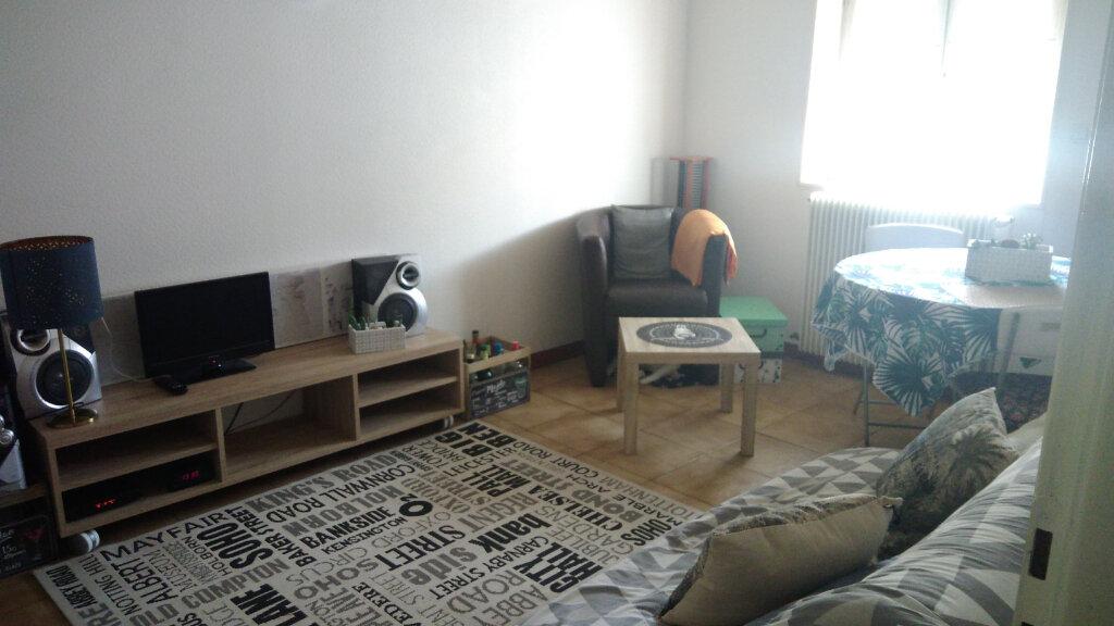 Appartement à louer 2 43m2 à Saint-Marcel vignette-1