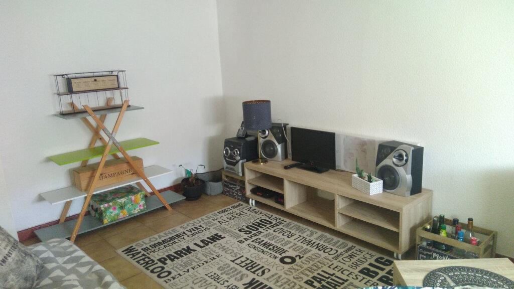 Appartement à louer 2 43m2 à Saint-Marcel vignette-2