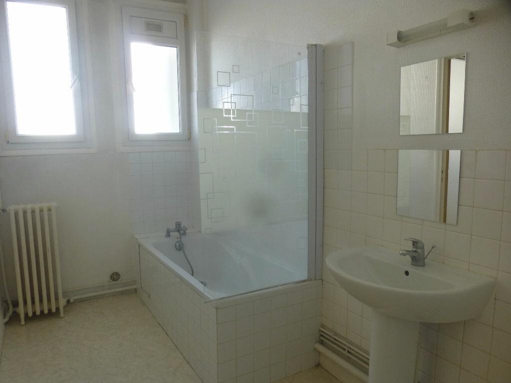 Appartement à louer 4 97m2 à Chalon-sur-Saône vignette-5