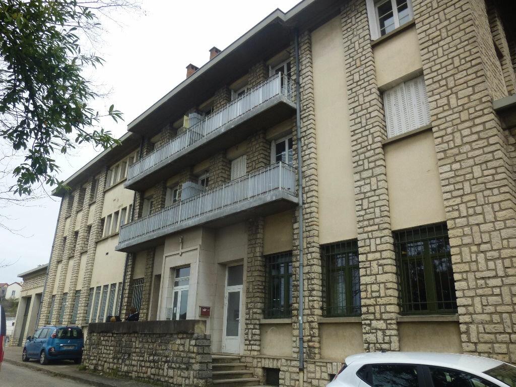 Appartement à louer 4 97m2 à Chalon-sur-Saône vignette-6