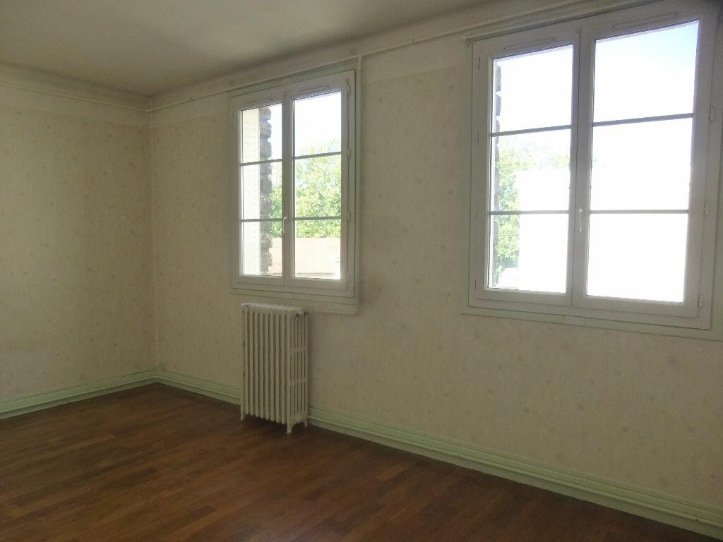 Appartement à louer 4 97m2 à Chalon-sur-Saône vignette-8
