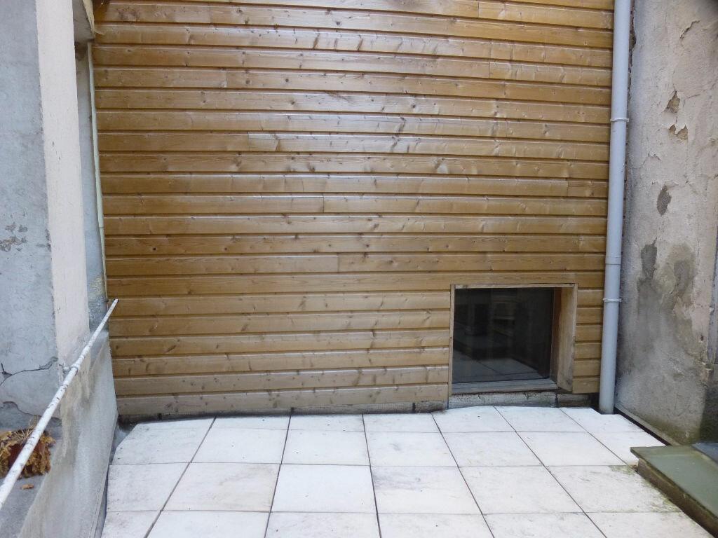 Appartement à louer 1 16m2 à Chalon-sur-Saône vignette-6