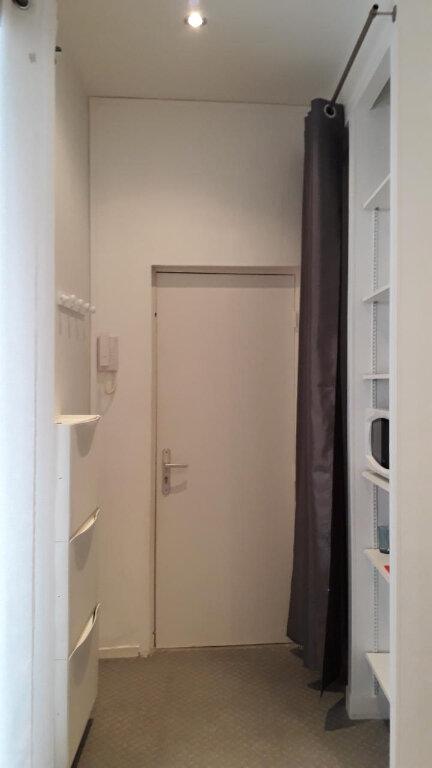 Appartement à louer 1 16m2 à Chalon-sur-Saône vignette-8