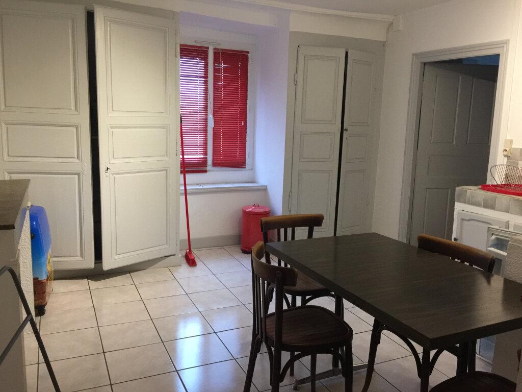 Appartement à louer 2 31.73m2 à Chalon-sur-Saône vignette-2