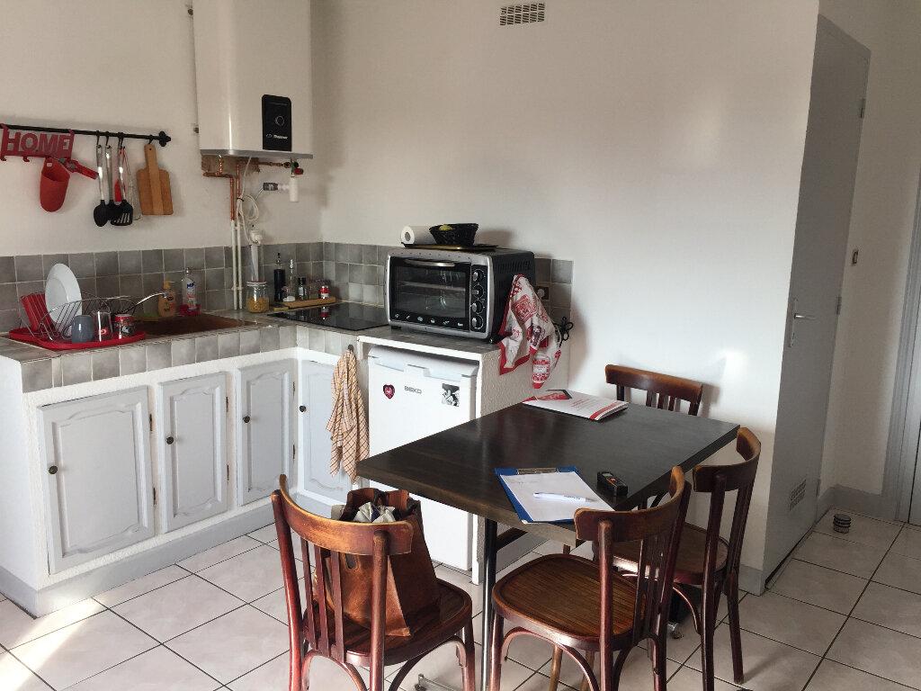 Appartement à louer 2 31.73m2 à Chalon-sur-Saône vignette-4