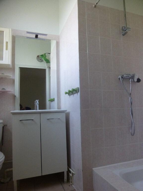 Appartement à louer 2 34.78m2 à Chalon-sur-Saône vignette-6