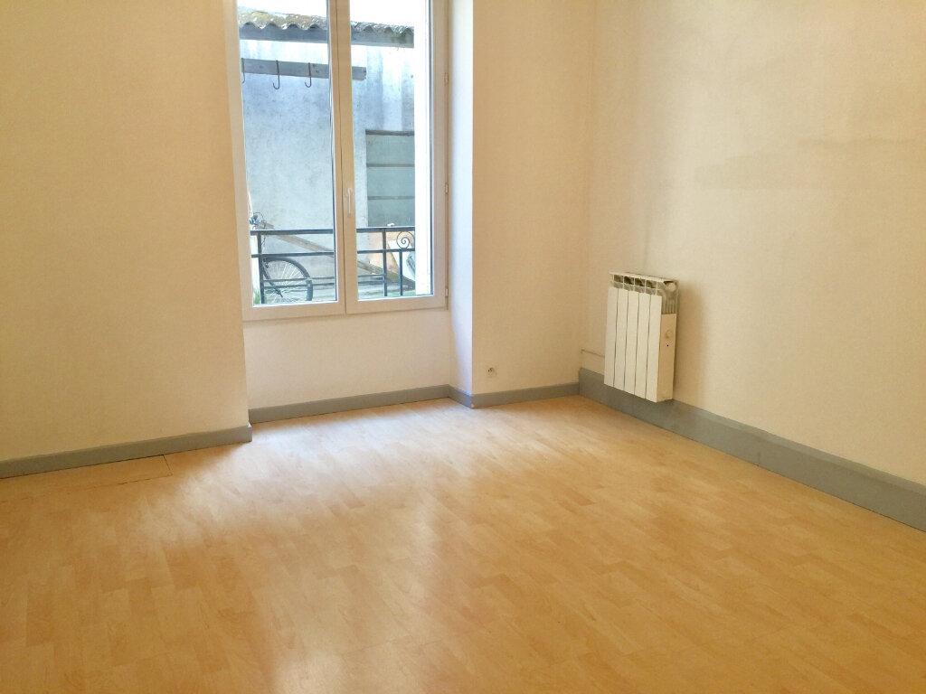 Appartement à louer 5 83.77m2 à Chalon-sur-Saône vignette-6
