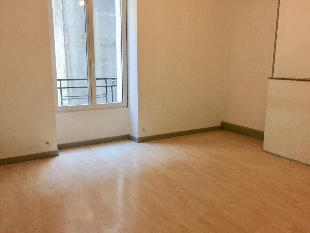 Appartement à louer 5 83.77m2 à Chalon-sur-Saône vignette-7