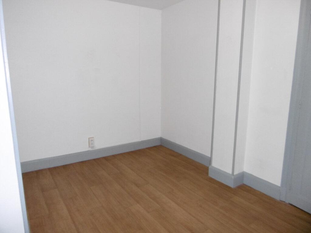 Appartement à louer 5 83.77m2 à Chalon-sur-Saône vignette-8