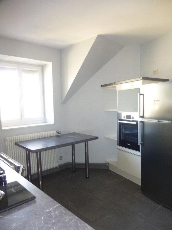 Appartement à louer 4 75m2 à Chalon-sur-Saône vignette-5