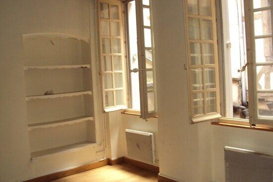 Appartement à louer 1 33m2 à Chalon-sur-Saône vignette-1