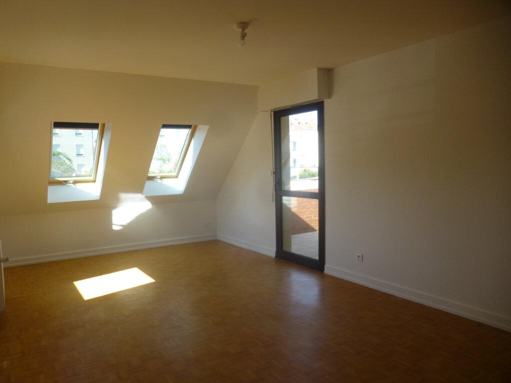 Appartement à louer 5 116m2 à Chalon-sur-Saône vignette-3