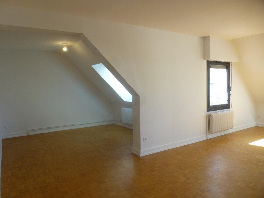 Appartement à louer 5 116m2 à Chalon-sur-Saône vignette-4